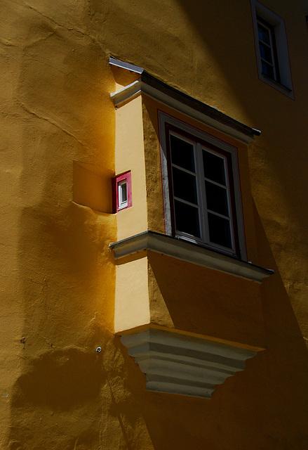 Zum Spionieren das kleine Fenster