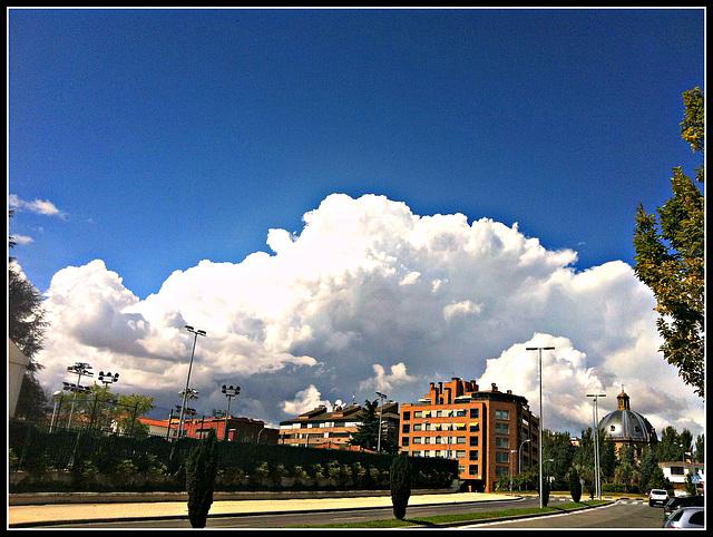 Nubes sobre la ciudad 1