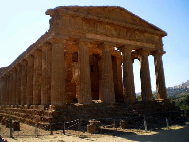 Temple of Concordia (430 BC).