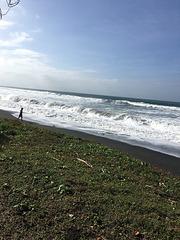 Vagues sur la mer de Java