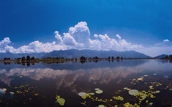 Kashmir Clouds......................India