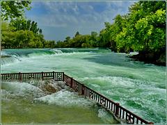 Alanya : le rapide hanno invaso gli spazi con violenza
