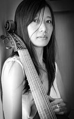 intermède musical : Soojin à la viole de gambe...hiératique, sublime