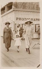 Muriel, Mother & Grandmother 1924
