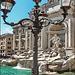 Roma : un bel lampione per la fontana di Trevi