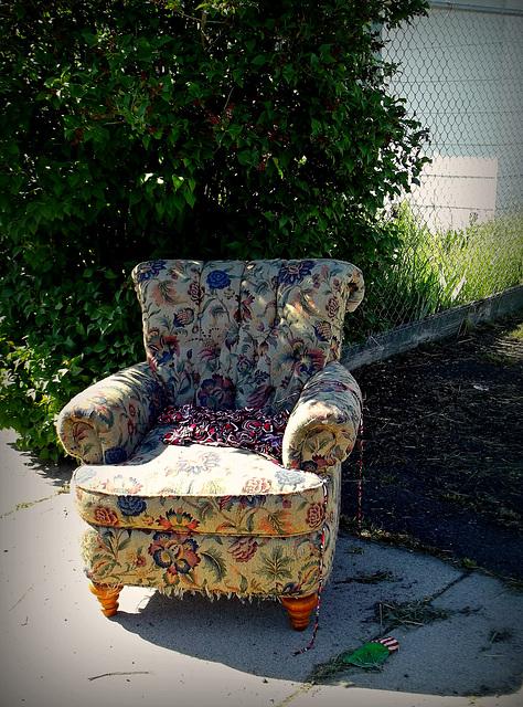 Sidewalk chair