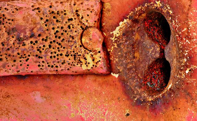 Capstan. Rusty details 5