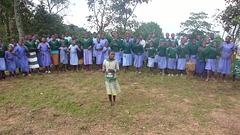 Infanoj dancas ie en Centra Afriko, verŝajne en Ugando