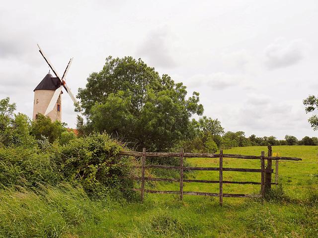 je mouds depuis l'année 1560 - Moulin de Rairé