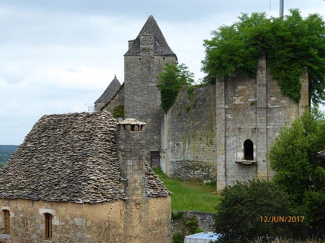 le chateau de SALIGNAC