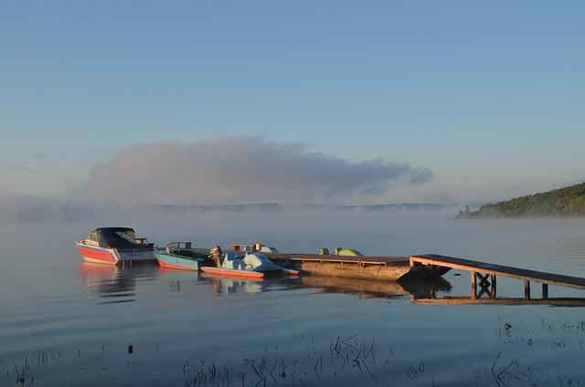 Причал кемпинга Бакота, Туман над водой / The Pier of the Camping of Bakota, Fog over the Water