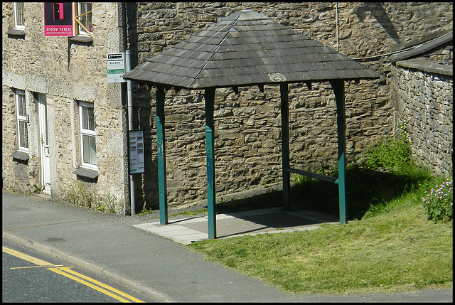 Milnthorpe bus shelter
