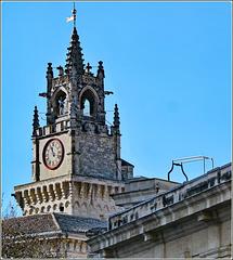 Avignon : la torre dell' orologio