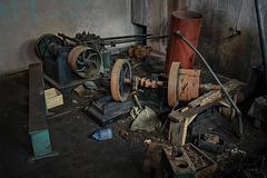 basement_mess