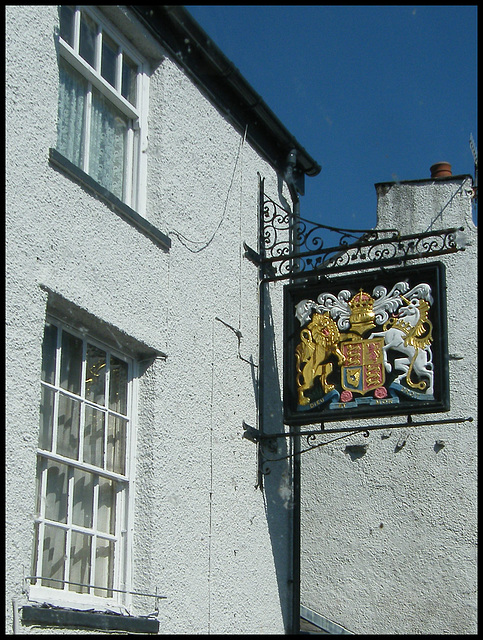 Kings Arms pub sign