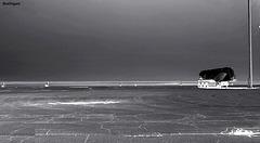 Porti:    Notte sul fronte di uno scalo abbandonato