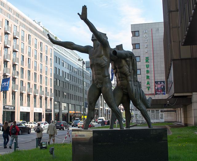 Berlin Bulgarian embassy statue (#0053)