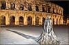 """Nîmes (30) 20 novembre 2013. Les arènes et le toreador """"Nimeño II""""."""