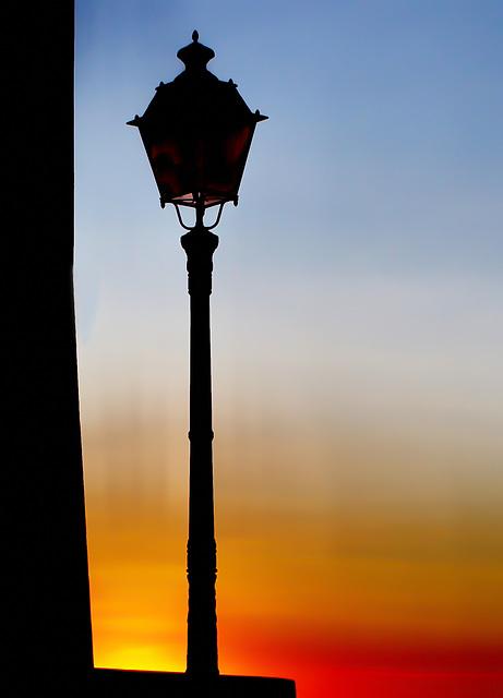 #17 - Paolo Tanino - il lampione si è spento all'alba... ora arriva il sole - 12̊ 4points