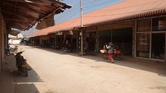 Marche équilibrée au Laos