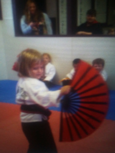 Fighting fan beginner, age three