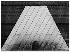 Pyramide - Phalique.