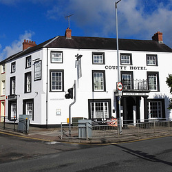 20190615 5335CPw [R~GB] Unser Hotel, Haverfordwest, Wales