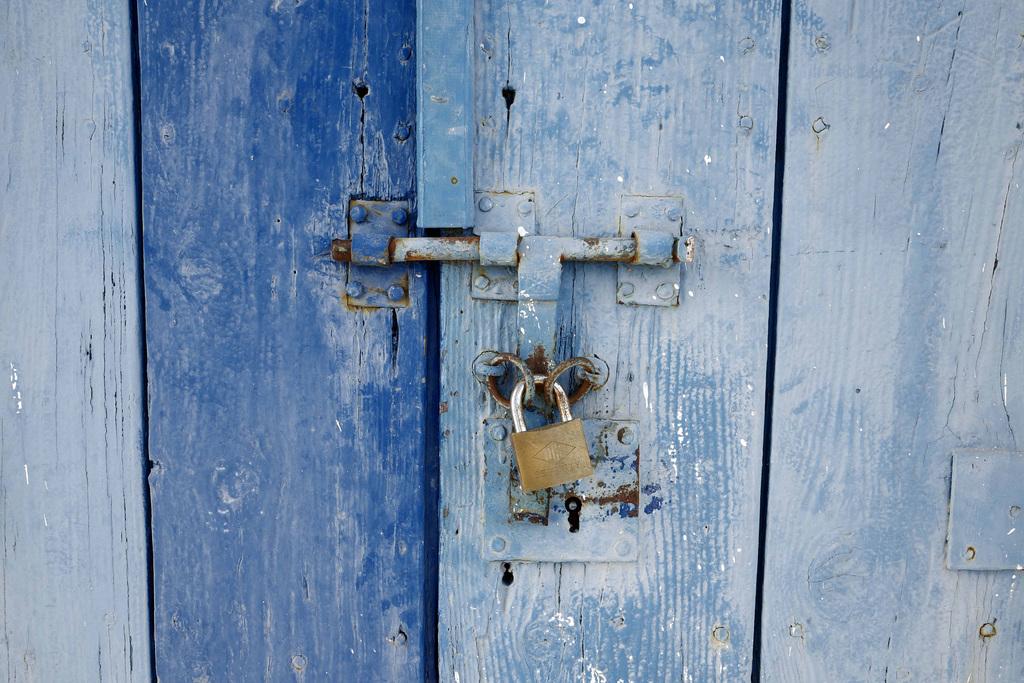 Castro Marim, porta azul L1000902
