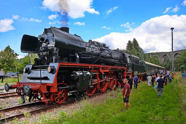 Dampflok 35 1097-1 vor dem Hetzdorfer Viadukt
