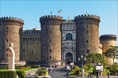 Napoli : Castel Nuovo - (740)
