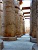 LUXOR : le gigantesche colonne del tempio di Karnak