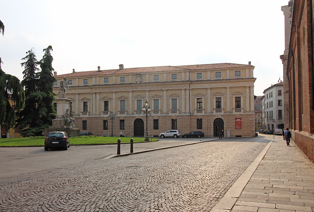 Palazzo Vescovile, Vicenza