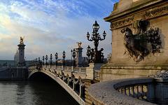 Pont Alexandre III , au petit matin