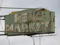 Real Market (Travelers Hotel)