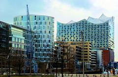 Hafen City Hamburg: Kaiserkai mit Elbphilharmonie