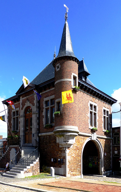 BE - Clermont-sur-Berwinne - Town Hall