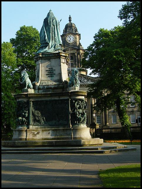 Queen Victoria and clock
