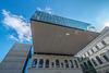Altbau trifft Moderne.         University Library Graz