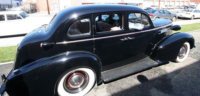 1937 Oldsmobile (4995)