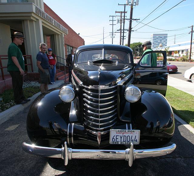 1937 Oldsmobile (4998)