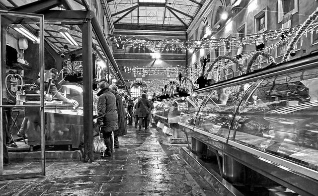 Al mercato del pesce, nelle Feste di Natale