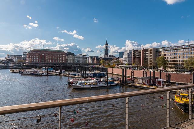 Inner Harbor - Binnenhafen Hamburg (270°)