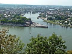 Zusammenkunft von Rhein und Mosel am Deutschen Eck in Koblenz