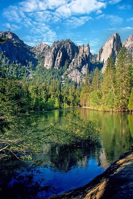 Yosemite - Cathedral Rocks - 1986