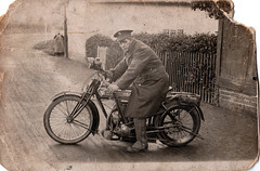 'Hector' on Rudge Multigear motorcycle, November 22nd 1915