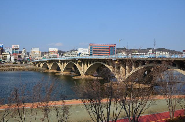 Jinju Bridge