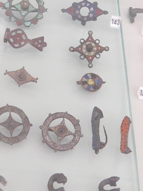 Musée archéologique de Split : fibules.