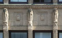Fassadenschmuck am Hübner-Haus (PiP)