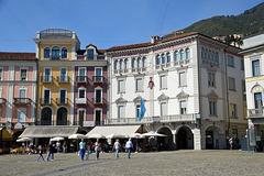 Auf der Piazza Grande in Locarno