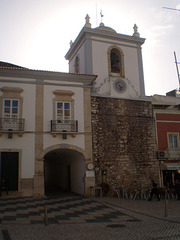 Clock Tower and Arch (1842).